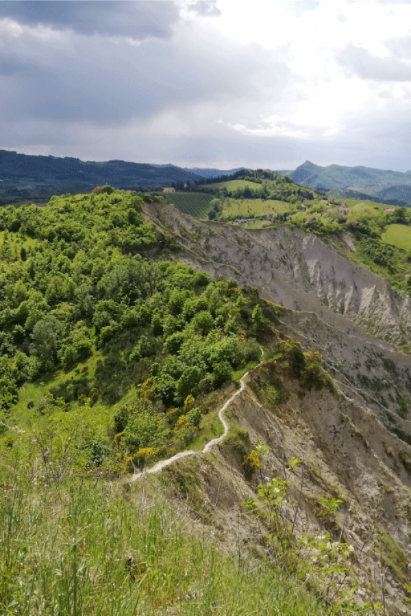trekking-calanchi-sentiero-505-cai-emilia-romagna